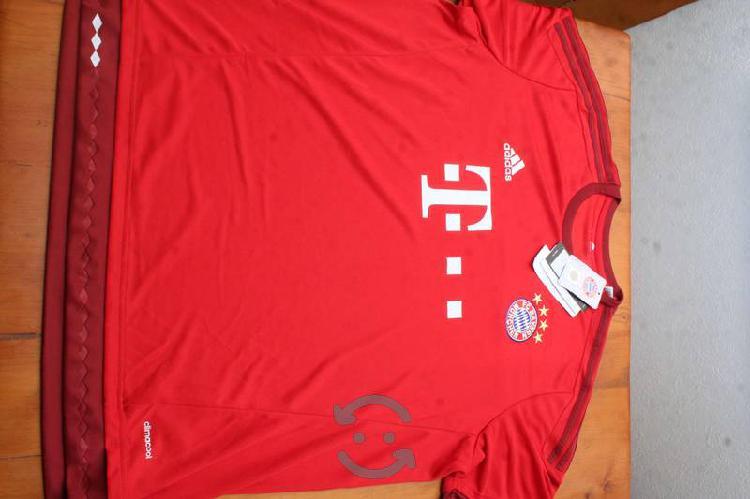 Jersey Bayern München rojo talla XXL NUEVO