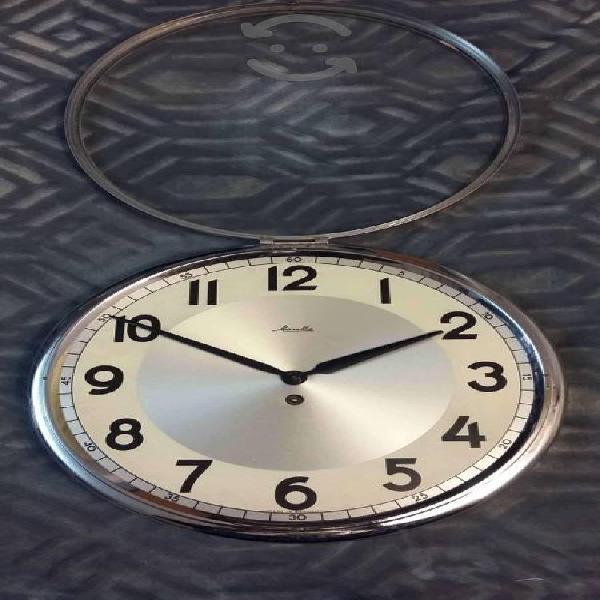 Mauthe Reloj de cuerda para pared de los años 60s