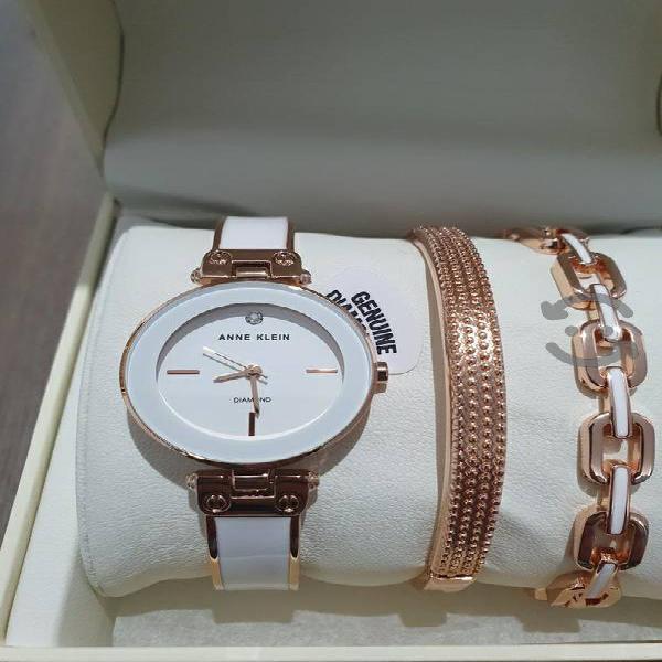 Reloj Anne Klein en Set