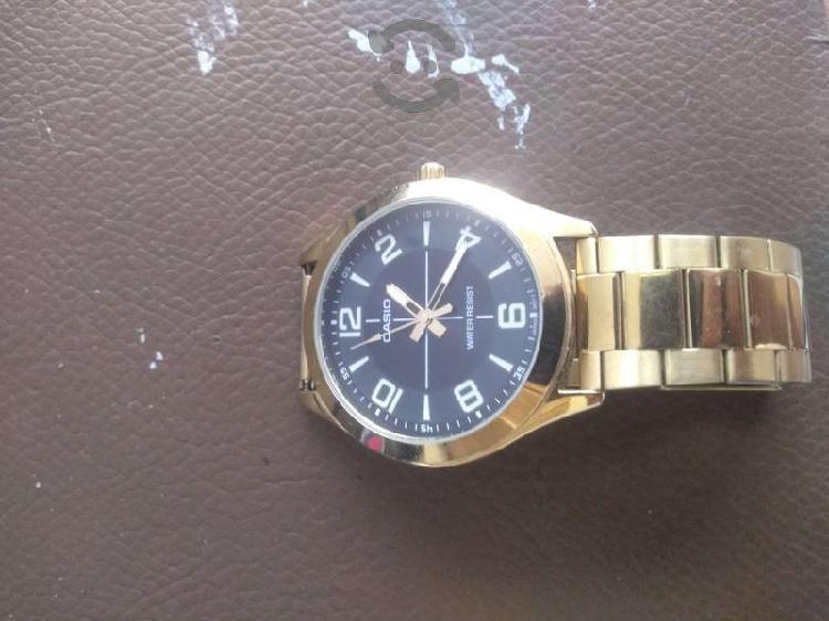 Reloj Casio oro dorado