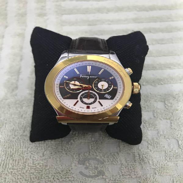 Reloj Original Salvatore Ferragamo F78 acero oro