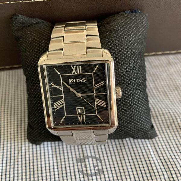 Reloj de la reconocida marca Hugo Boss