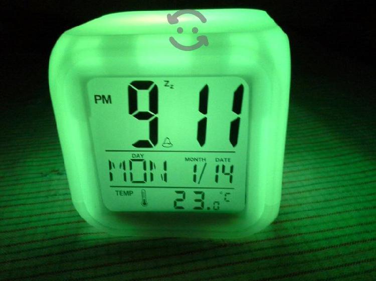 Reloj despertador con lámpara