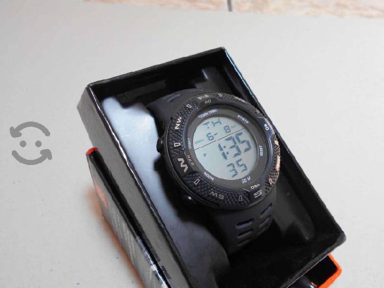 Reloj militar de uso rudo ozark nuevo
