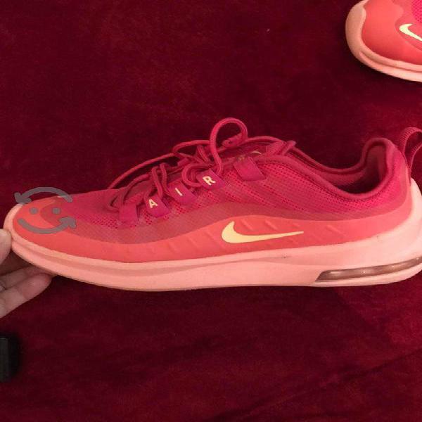 Tenis Nike originales semi nuevos