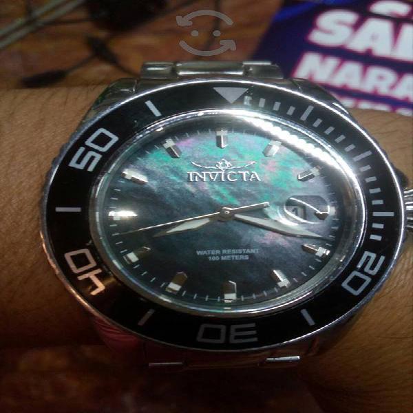 reloj invicta semi nuevo