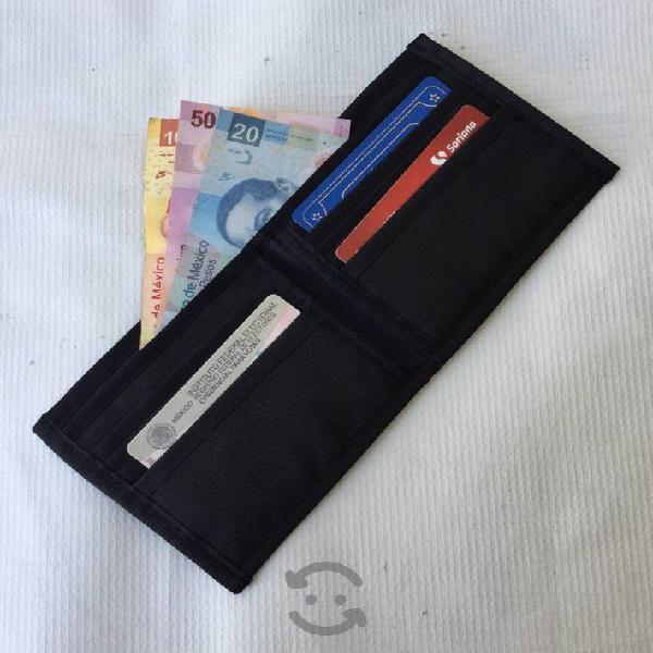 Billetera o cartera de cordura duradera y nueva