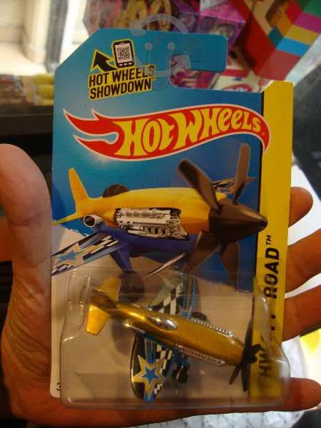 Hot Wheels Avion Mad Propz 2015