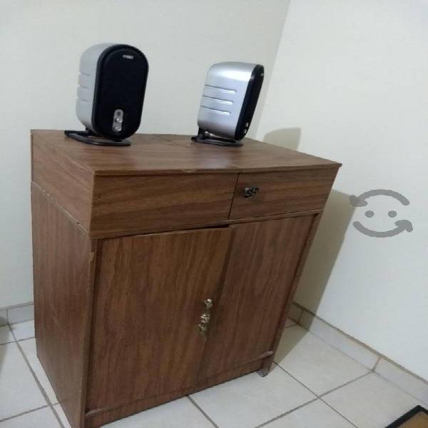 Mueble de Tv y burro de Planchar