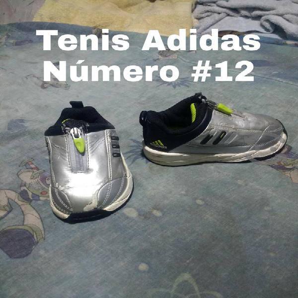 Tenis y zapatos para niño
