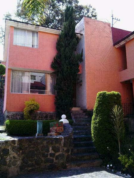 Casa en condominio a la venta en calle Juarez! (LG)