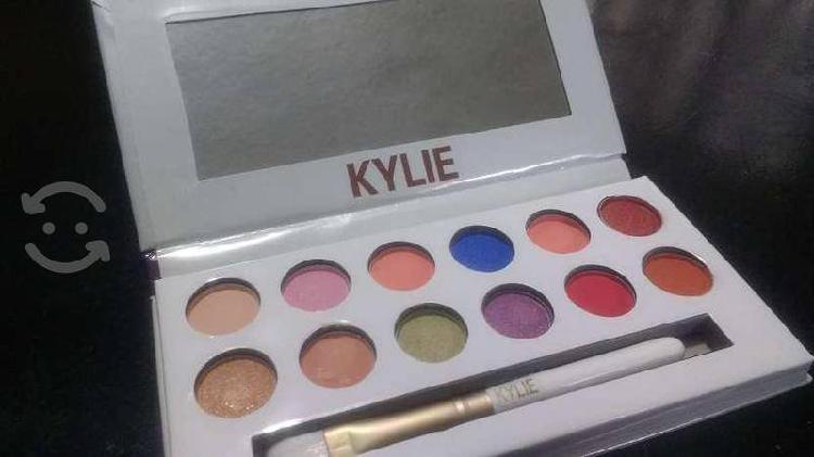 Estuche de Sombras Kylie Royal con Envío Gratis