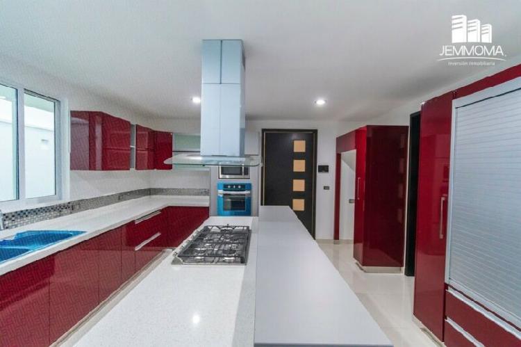 Moderna y lujosa casa a la venta en Monte Magno, Xalapa.