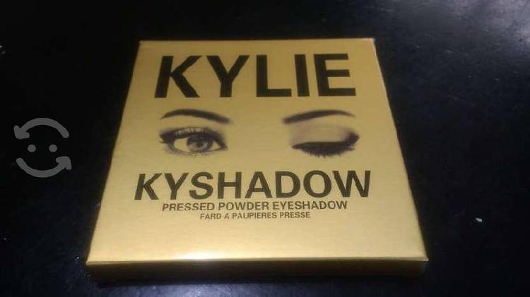 Paleta de Sombras Kylie Kyshadow con Envío Gratis
