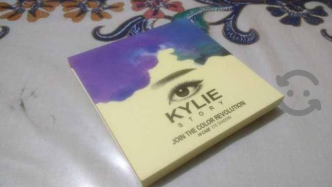 Paleta de Sombras Kylie Story con Envío Gratis