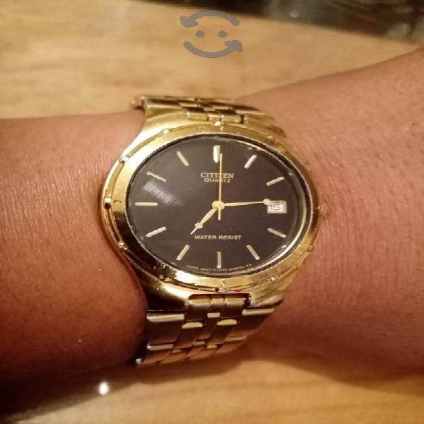 Reloj Citizen elegante Dorado es de uso cambio