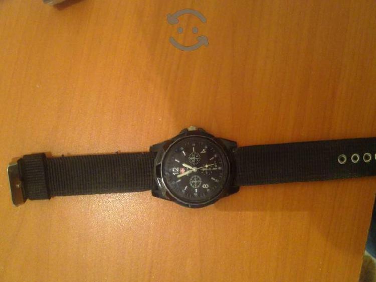 Reloj swiss Army excelente