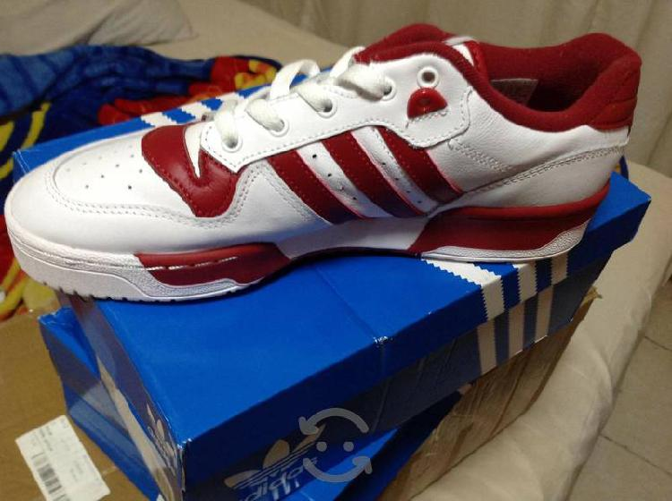 Tenis Adidas Rivalry Low #7.5