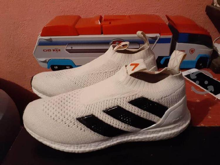 Tenís Adidas ave ultraboost