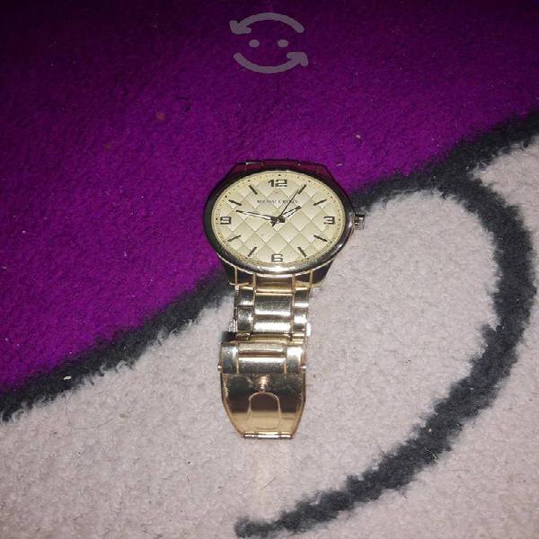 reloj de uso en buen estado