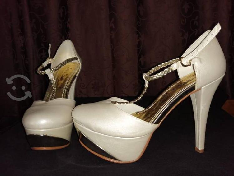 zapatillas color Perla con Dorado
