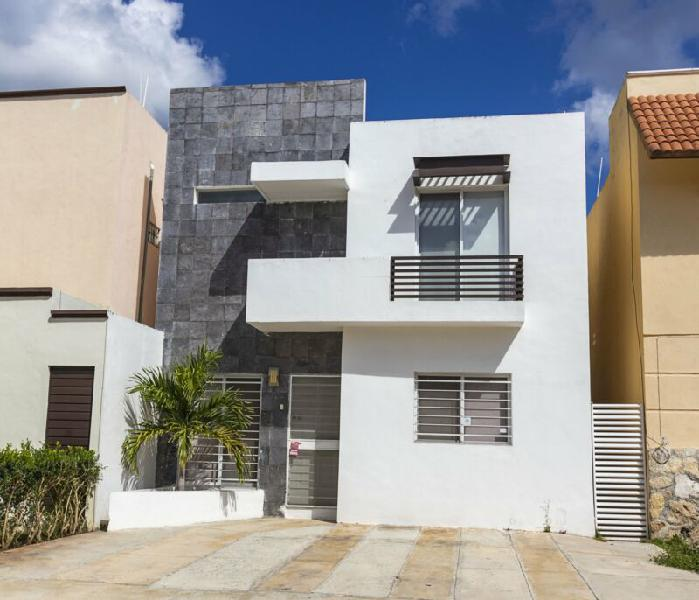 Casa en Renta Semi-Amueblada Jardines de Conkal Merida