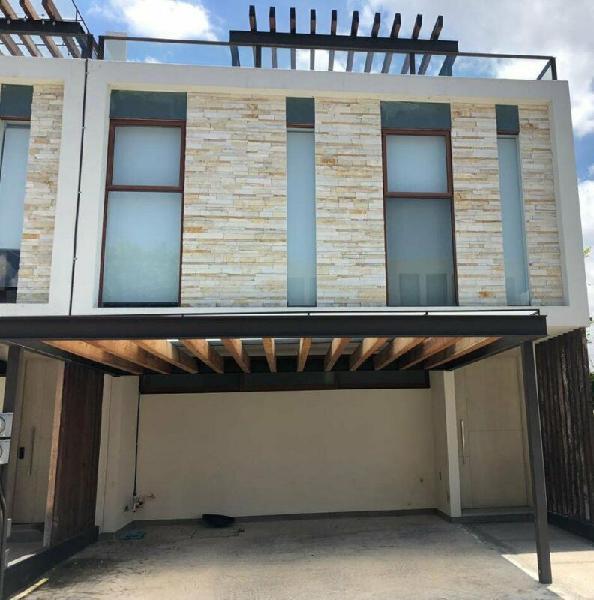 Casa en Renta acceso norteLomas de Angelopolis Puebla