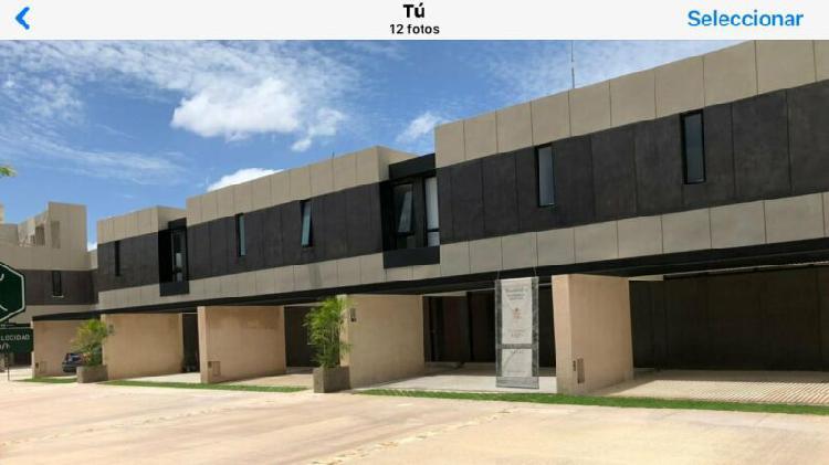TOWN HOUSE EN RENTA EN PRIVADA MADERO 54 TEMOZON CON