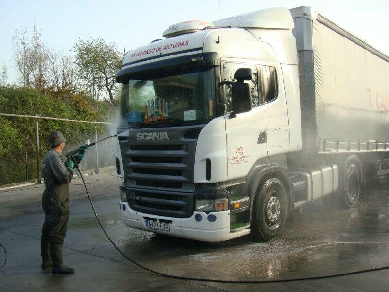 Servicio de mantenimiento y limpieza de inmuebles y oficinas