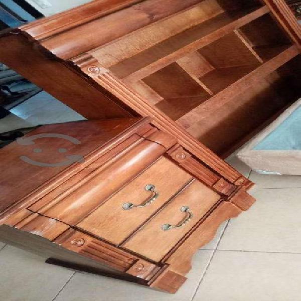Buró, base y respaldo de madera