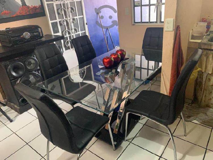 Comedor de cristal con 6 sillas