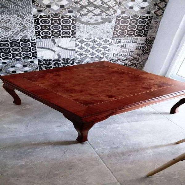 Hermosa mesa de centro clasica
