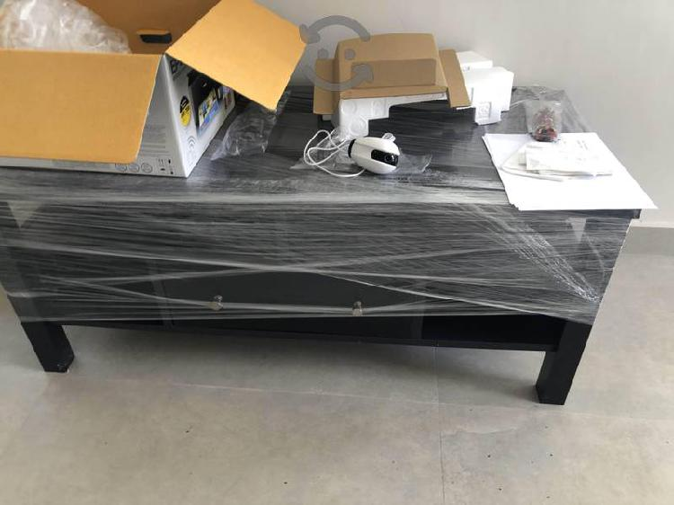 Mesa para TV de madera