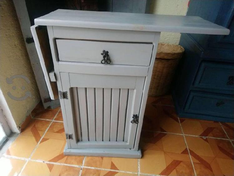 Mueble Para Planchar Gris De Madera Rustico