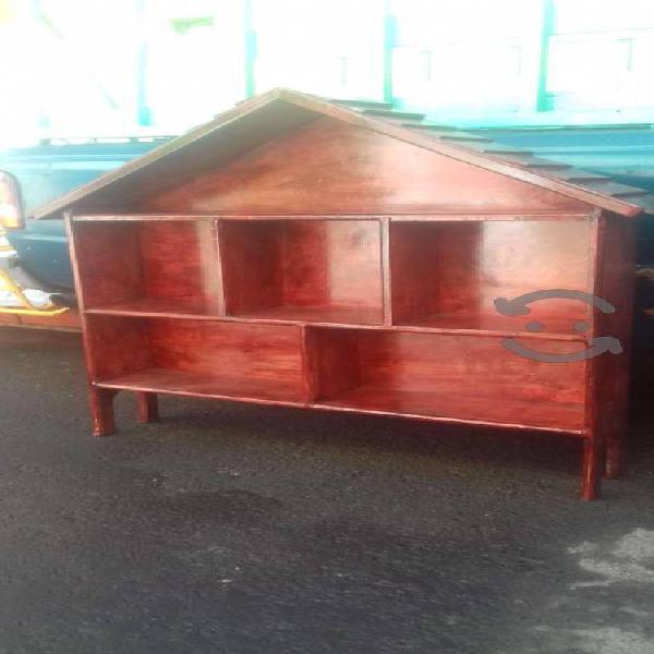 Mueble en color caoba precio a tratar