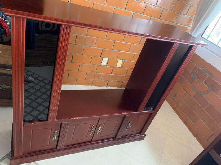 Mueble para tv, con vitrinas