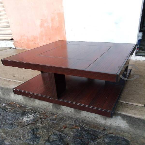 bonita mesa de centro excelente estado con flete