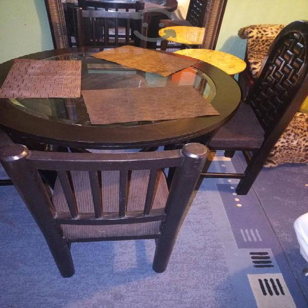 remató bonito comedor 4 sillas