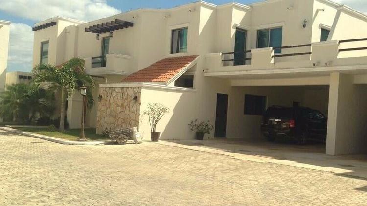 Casa en venta de 3 recamaras en Santa Gertrudis Copo