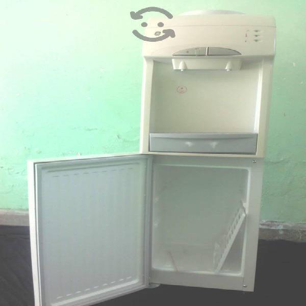 Dispensador de agua fria y caliente ge nuevo