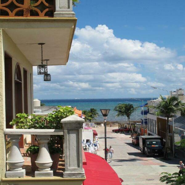 Hotel a la venta a pasos de la playa excelentes registros de