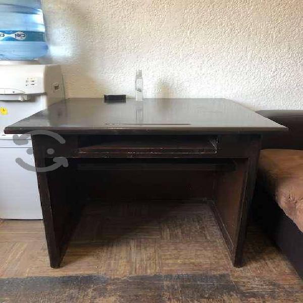 Mesa/Escritorio de madera