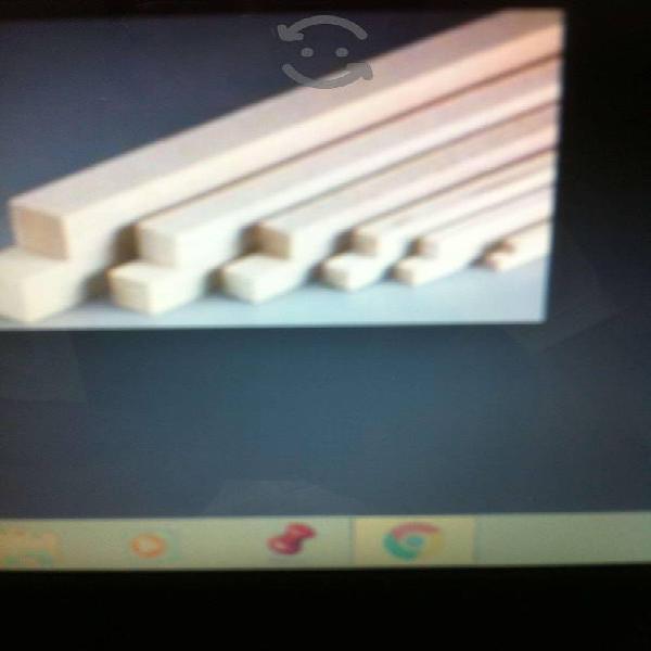 Paquete de cucharas y palos de madera