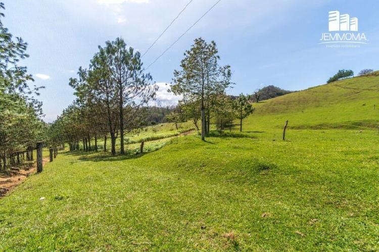 Rancho con arroyo a la venta en Naolinco, Veracruz