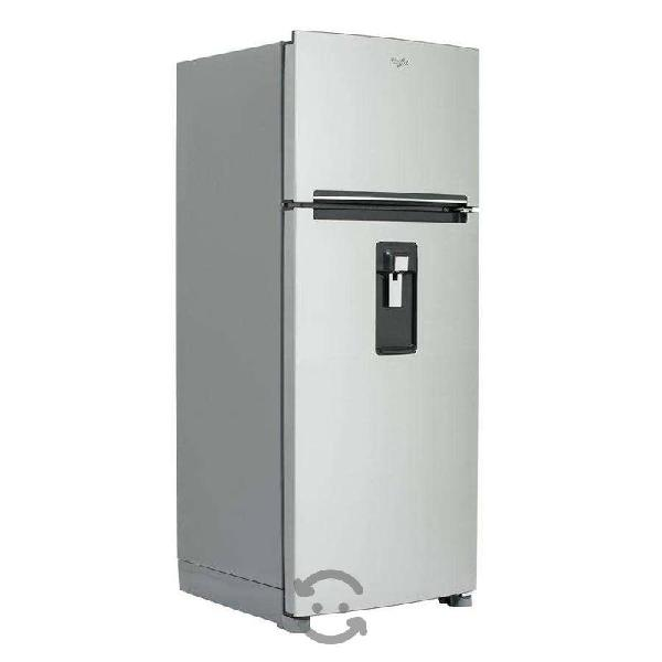 Se vende Refrigerador Whirlpool de 18 pies