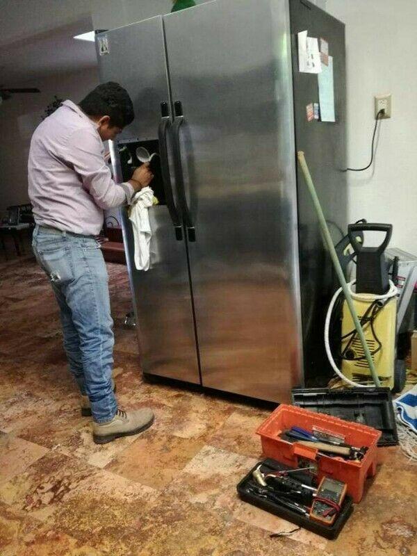 Técnico en Reparación de Refrigeradores Dúplex, Inverter