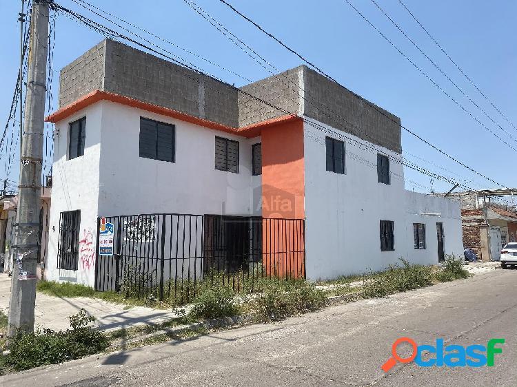 Venta de casa grande en esquina, Colonia Álamos Celaya!!!