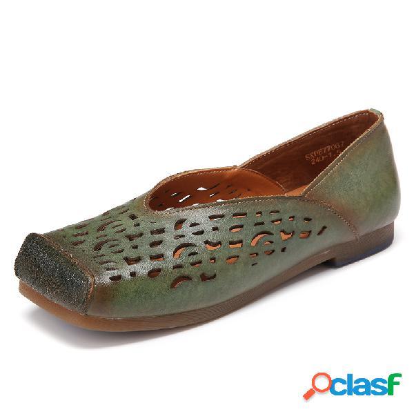 Zapatos planos sin cordones y puntera bruñida de cuero