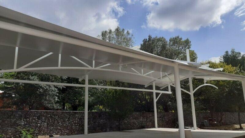 estructuras y toldos de malla sombra.