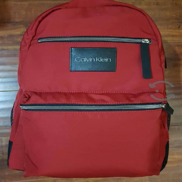 "Back pack ""calvin klein""nueva,original"